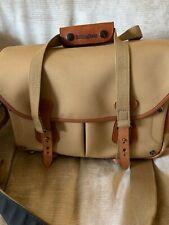 Authentic Billingham 225 Camera bag.. very nice!