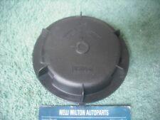 A SAAB 95 9-5  2002-05 XENON AND PLAIN HEADLIGHT BULB COVER CAP VALEO 89001811
