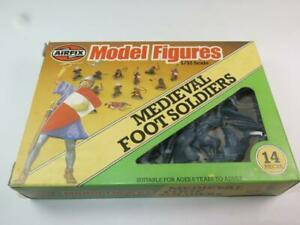 AIRFIX 1/32 MODEL FIGURES Medieval Foot Soldiers Unpainted in RARE Type 6 Box