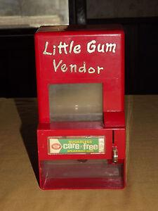 VINTAGE  RARE TOY  BEECH NUT CARE FREE GUM LITTLE GUM VENDOR