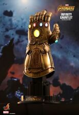 THANOS INFINITY GAUNTLET 1:4 Scale Hot Toys  Movie ~903359/Sideshow   AVENGERS