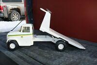 ERTL Toys John Deere Tipping Flatbed Truck - Pressed Steel
