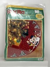 "Christmas BUCILLA Felt Applique Holiday TREE SKIRT KIT CAROLING TRIO 84081 43"""