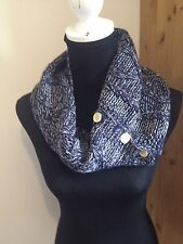 BLUE SOFT KNITTED SHORT WINTER SNOOD/COLLAR WITH BUTTONS BNWOT Free Uk p&p.SALE!