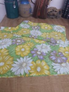 2 Vintage Floral pillow cases great condition
