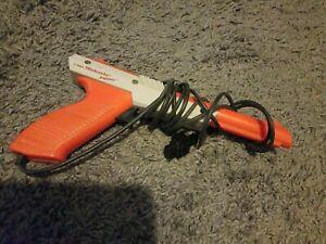 1985 Original Nintendo Zapper Duck Hunt Gun NES Controller Orange Accessory