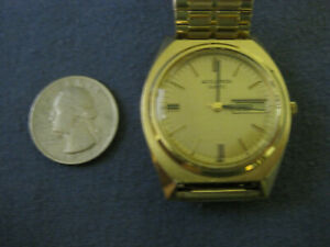 H47 mans gold plate ACCUTRON  day/ date quartz  watch