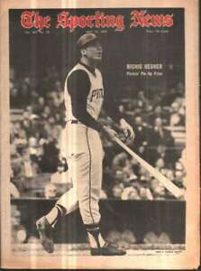 The Sporting News Newspaper May 24, 1969 Pirates' Pin-Up Prize Richie Hebner