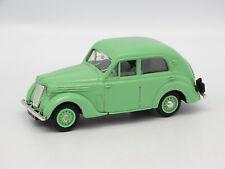 Eligor SB 1/43 - Renault Juvaquatre Verde