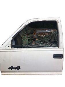 CHEVY TAHOE DRIVER SIDE DOOR FRONT 1995-99 96 97 98