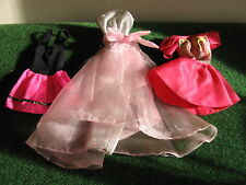 ROBES POUR  BARBIE   LOT DE 3  BARBIE    N °   31.32  C