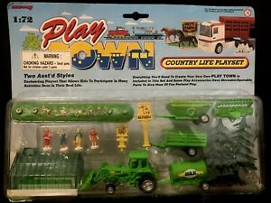 NOS~ VTG 90's PLAY TOWN COUNTRY LIFE PLAY SET # 47152  FARM 1:72 SEALED New-Ray