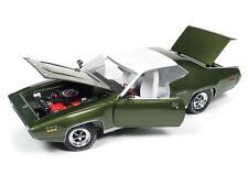 AUTO WORLD 1:18 1971 PLYMOUTH SATELLITE SEBRING PLUS DIECAST CAR AMM1092