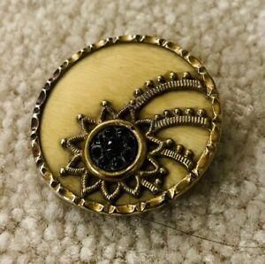 Ex RARE Antique COMET button. Ca., 1890s/early 1900s w/black Glass Inset