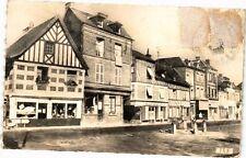 CPA  Montreuil -L'Argillé (Eure) - Place du Marché   (182723)