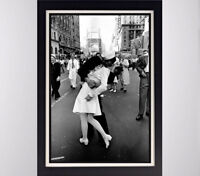 Kissing on VJ Day Alfred Eisenstaedt  Glossy Poster 11in x 17in 24in x 36in