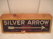 OLD WOOD-WOODEN SIGN PLAQUE SILVER ARROW EMPEROR GRAPES PRODUCE FRUIT SIDE PANEL
