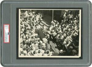 Original 1934 JOHN DILLINGER In His Body Bag Historic Photograph PSA Type I