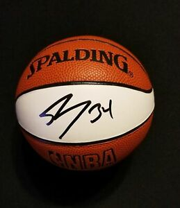Los Angeles Lakers Shaquille Oneal Signed Basketball COA