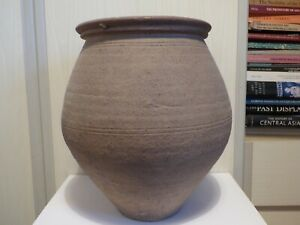 LARGE ROMAN POTTERY CINERARY URN. RHINELAND 1st to 3rd cent. AD