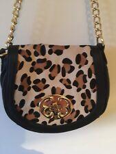 Nuevo con etiquetas Bolso de Mano Cuero Negro Emma Fox con diseño estampado de leopardo Mango Largo