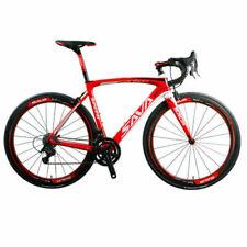 Bicicletas rojos de fibra de carbono