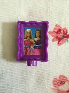 Mattel Barbie Doll Dollhouse Picture Frame with Barbie & Teresa Raquelle Purple
