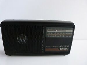 Sanyo RP5067  Portable Pocket Radio AM/FM. Working