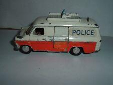 Dinky toys ford transit fourgon de police restauration vintage regardez les photos