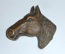 A VINTAGE 1950s PLASTIC HORSE HEAD BROOCH