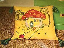 """Homecoming"" Mushroom Crewel Creative Needlecraft Pillow Kit Bucilla Vintage 16"""