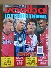 VOETBAL INTERNATIONAL 30-07-1997 Louis Van Gaal Ronaldo Julio Cruz [P66]