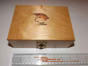 A VERY NICE MEDIUM SIZED WOODEN FLY BOX, 4 LEAVES WITH GOOD CONTENT