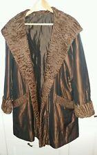 Edler Damen Mantel mit Kapuze, u. Persinaner Besatz Braun