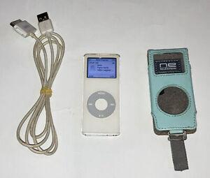 Apple iPod nano 1st Generation Gen 1 (A1137) White 2GB 2005 Good Battery