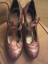 From Office t bar metallic sheen court style shoes size 5