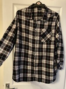 Ladies Top Shirt Size 26 New Look Used
