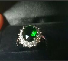 Womens size M 1/2. 925 Silver 3.0CT Emerald & Topaz Ring