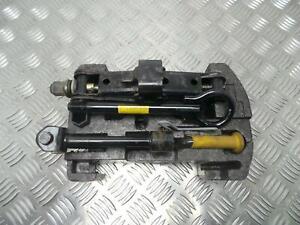 Renault Megane I 1996-2003 Complete Wheel Well Jack + Tool Kit