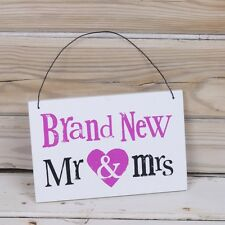 BRAND NEW MR & MRS Wooden Wedding Hanging sign Plaque Fun The Bright Side New