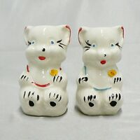 VINTAGE SHAWNEE POTTERY BEAR SALT AND PEPPER SET