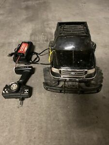 Radio Shack Ford F-350 Super Duty RC MATTRACKS - W/ Remote, Battery, Charger