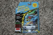 JOHNNY LIGHTNING 50 YEARS WHITE LIGHTNING VER A 1957 CHEVY BEL AIR CONVERTIBLE