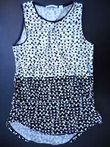 Country Road XXS Ladies cotton tank top black & white triangles patterns