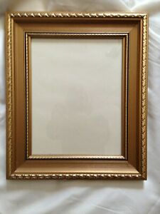 """Chunky Wooden Gilt Picture Frame - 13.1/2"""" x 11.1/2"""""""