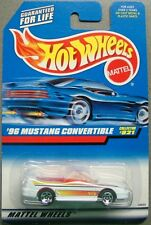Hot Wheels 1997 Diecast Coll # 821 '96 MUSTANG CONVERTIBLE White w Red Interior