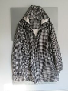 Cotton Traders Dogtooth pattern hooded mac/rain/coat/in a bag size 26