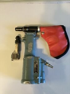M85188T1 Cherry Max Riveter With 456MAX Straight Head And H781-456 Offset Head