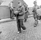 WW2 WWII Photo Barefoot German POW Prisoner of War  World War Two 2648