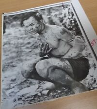 VIETNAM WAR - ORIGINAL PRESS PHOTO - VIET CONG PRISONER (POSSIBLE NAPALM BURNS)